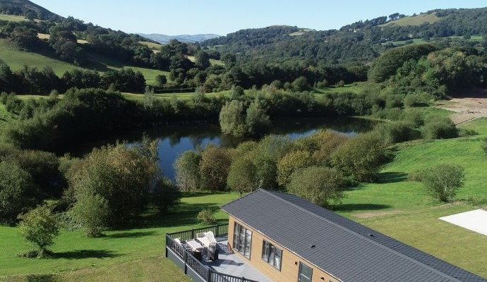 The Llewellyn Lodge Maes Mynan Park and views